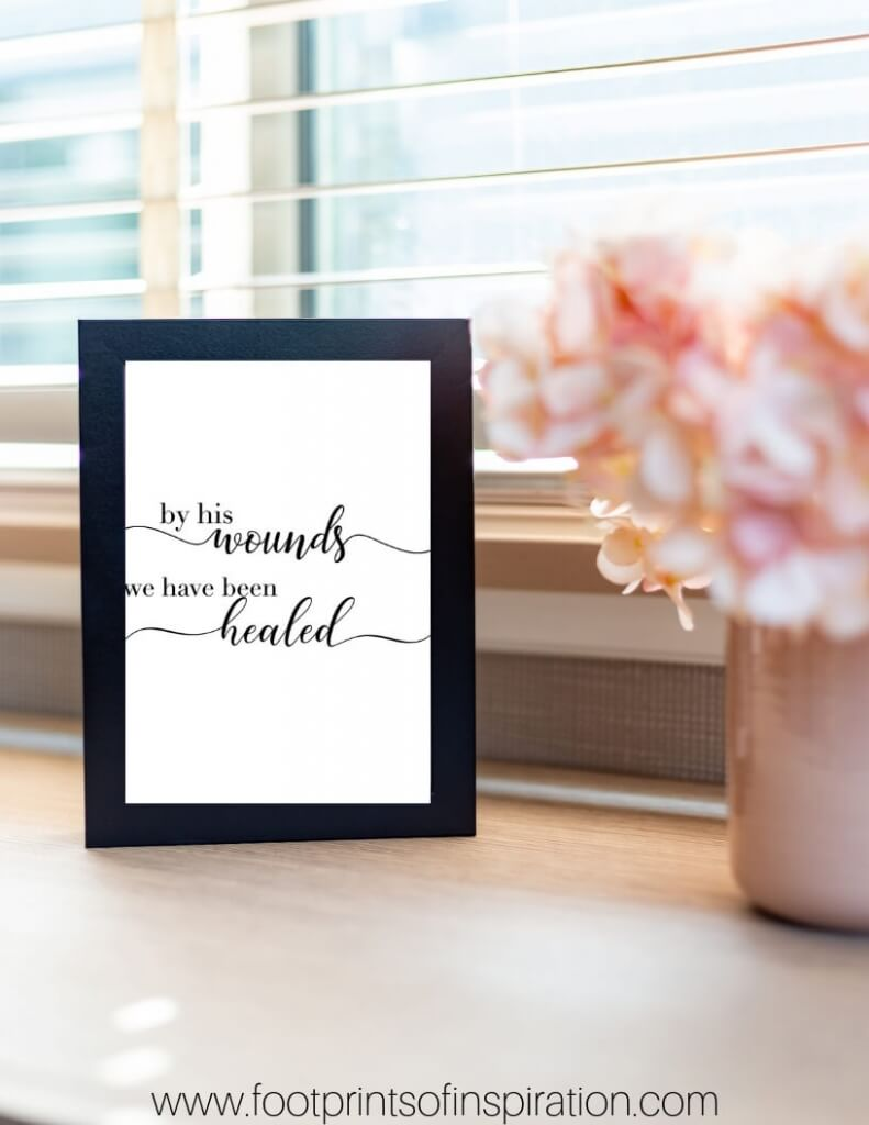 Download our FREE Easter Printables to spruce up your home for spring. #footprintsofinspiration #easterprintable #easter #freebie #freeprintable #christcenteredlife #dailyinspiration #scripture
